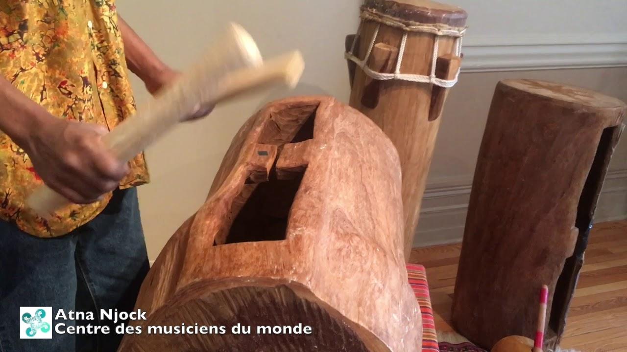 Tambour, instrument de musique camerounais